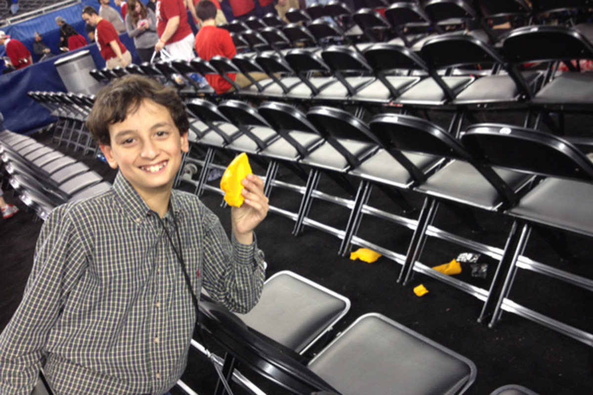 kid reporter jake aron wisconsin cheesehead final four 2014