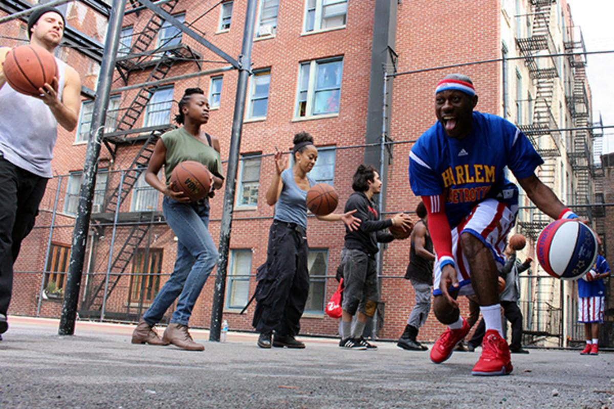 harlem globetrotters stomp basketball music