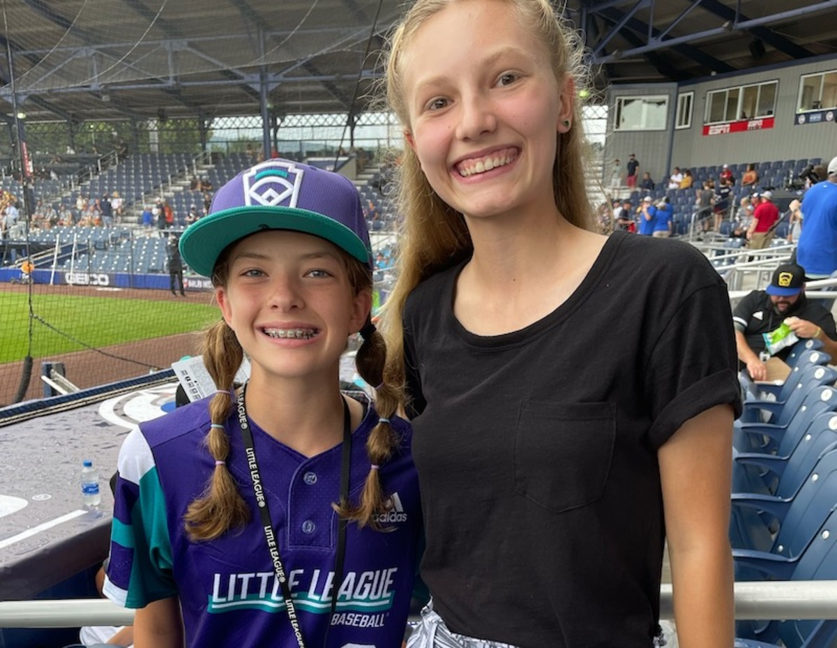 Texas's Ella Bruning and Kid Reporter Anna Laible